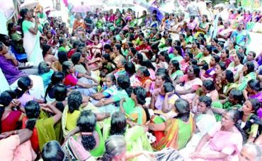 ആലപ്പുഴ ജില്ലയില് ചെമ്മീന് പീലിംഗ് തൊഴിലാളികളുടെ സമരത്തിന് വന്വിജയം